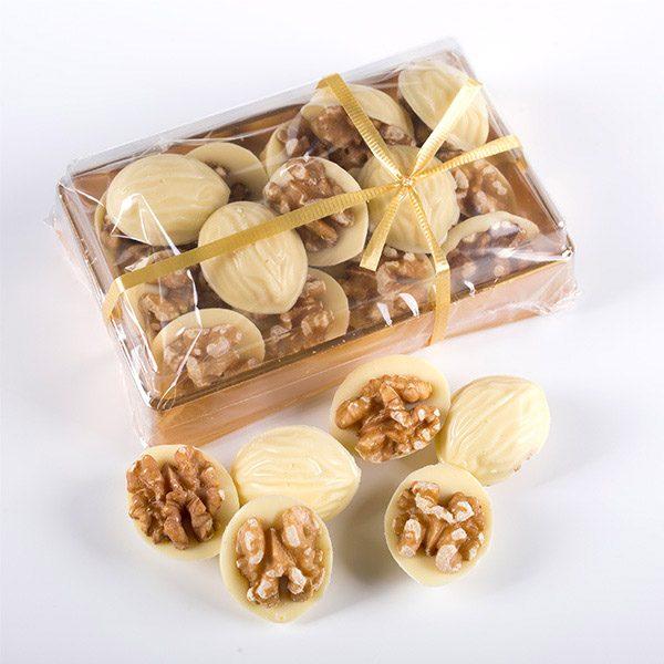 Muestra del Contenido de una Caja de Nueces de Chocolate Blanco Marca Palmira